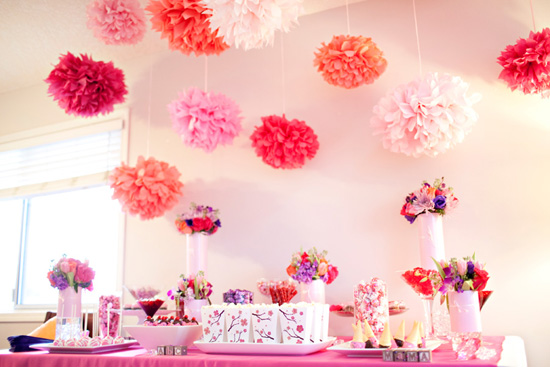 It s a girl baby shower wording party planning - Idees decoration bapteme fille ...